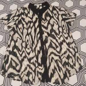 Forever 21 Black and White Artsy Print Blouse